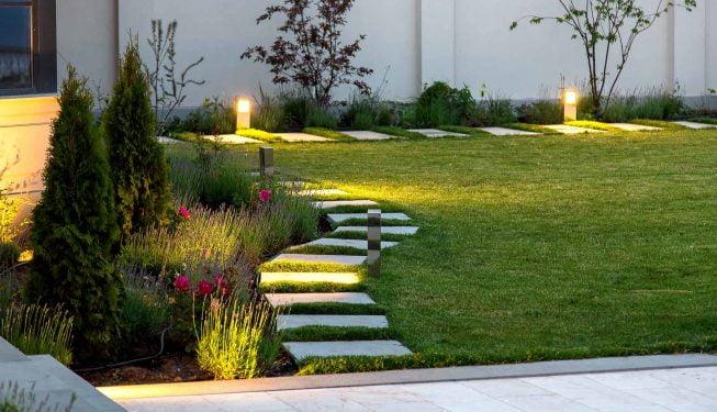 Terrasse mit Natursteinen